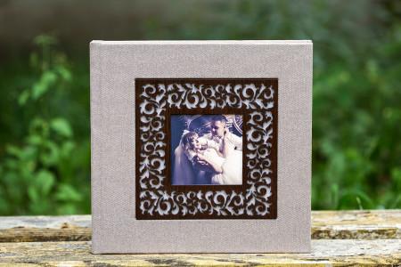 свадебная фотокнига с обложкой из кожезаменителя с фотовставкой