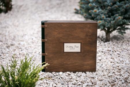 свадебная фотокнига с деревяной обложкой