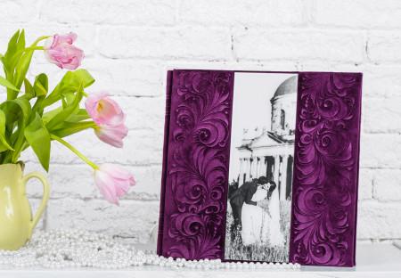 Свадебная фотокнига с велюровой обложкой и фото на акриле